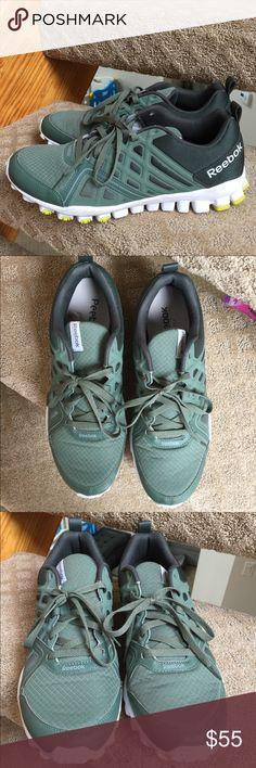 Reebok Men's Sneakers 👟 Used good condition. Worn few times Reebok Shoes Sneakers