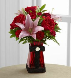 The FTD® Love Rushes In™ Bouquet B23-4835