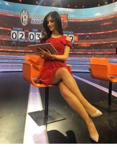 Jessica Tozzi Parallel legs