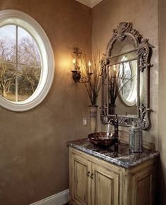 Tuscan Bathroom Design With Brown Walls : Inviting Tuscan Bathroom Design Gallery Style Toscan, Tuscan Bathroom, Tuscan House, Mediterranean Home Decor, Tuscan Decorating, Interior Decorating, Brown Walls, Tuscan Style, Bathroom Styling
