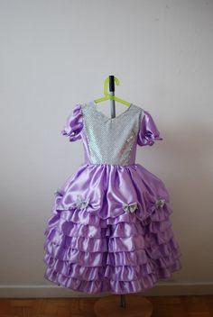 Lilla prinsessekjole med sløjfer og glitter til fastelavn. Mange flere kjoler hos Små Prinsesesr! http://www.amioamio.com/da/produkt/141534/