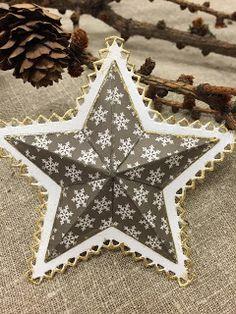 Gummiapan Christmas Decorations, Christmas Tree, Holiday Decor, Cardmaking, Home Decor, Creative Ideas, Teal Christmas Tree, Making Cards, Decoration Home