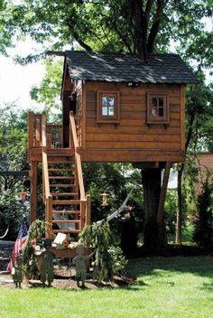 adorable farmhouse cottage design ideas and tiny house decor ideas 48 Beautiful Tree Houses, Casa Kids, Tree House Plans, Woodland House, Tree House Designs, Cottage Design, Play Houses, Kid Tree Houses, Cool Tree Houses For Kids