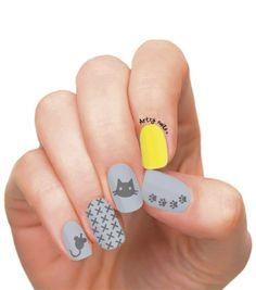 Cat & Mouse Nails