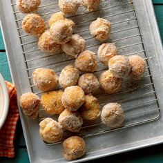 Pumpkin Doughnut Drops Recipe -I always have a few special treats handy when the grandchildren visit. These cake doughnuts are one of their favorite snacks. Bake Sale Recipes, Cooking Recipes, Bread Recipes, Canned Pumpkin Recipes, Cooking Pumpkin, Wisconsin, Pumpkin Waffles, Pumpkin Pies, Pumpkin Bread