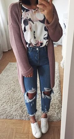 Long mauve cardigan, pink floral top, skinny jeans, white tennies