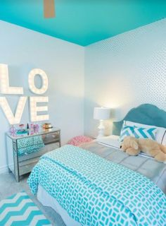 Room Decor: Save it for later. Turquoise room ideas - turquoise bedroom ideas for girls, boys, and adult. Theres also another turquoise room ideas like living room and family room. Check em out! Teenage Girl Bedroom Designs, Teenage Girl Bedrooms, Blue Bedroom Ideas For Girls, Girl Rooms, Bedroom Girls, Preteen Girls Rooms, Teal Teen Bedrooms, Bright Bedroom Ideas, Teen Bedroom Colors