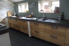 mooie keuken en donker betonnen werkblad