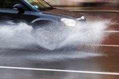 Yağışlı havalarda, su birikintilerinde lastiklerin yerle teması kaybetmeleri halinde gazı kesin, direksiyonu düz tutun❗ #tanoto #tanotodan #tanotofilokiralama #tanotoikinciel #tanotosigorta #tanotoford #tanotofiat #tanotorenault #renaultdacia #tanotofordtrucks #guvenlisurus #yagmur #yagislihava #dikkat #araba