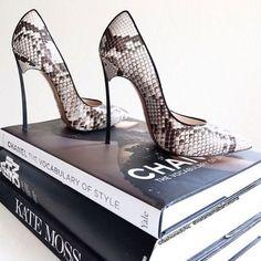shoe heels chanel - Buscar con Google