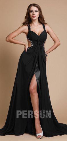 a3d7727052c Robe de bal avec bretelle fine décolletée en coeur ornée de bijoux avec  bretelle fine et fente frontale. robe de soirée sexy noire longue fendue  côte ...