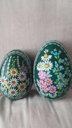 Gänseeier gefärbt ,gekratzt und wieder gefärbt Goose Eggs scratched and coloured
