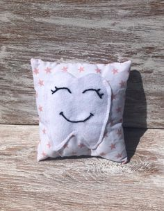 Handmade tooth fairy pillow with white felt tooth pocket to hold a tooth. Lovely keepsake. free standard postage in Ireland . Tooth Fairy Pillow, Teeth, Ireland, Throw Pillows, Pocket, Handmade, Free, Toss Pillows, Hand Made