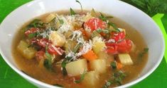- Soup minestrone from Rome - Category: Mediterranean Diet, Rome recipe. Rome Food, Mediterranean Diet, Italian Recipes, Thai Red Curry, Potato Salad, Main Dishes, Salsa, Healthy, Gastronomia