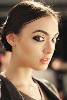 love the take on the kitten eyeliner