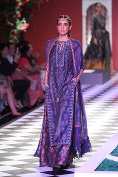 Anita Dongre-india-couture-week-runway-10