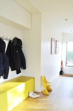Chez Annesodeco : en lieu et place d'un placard avec portes coulissantes. Caissons sur mesure en medium