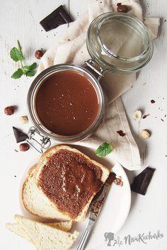 Domaca nutela - zdravšia verziu nutelly, ktorú si môžete dopriať bez výčitiek svedomia. Skúste ju aj vy, domáca nutela stojí za to! Something Sweet, Chocolate Fondue, Nutella, Tiramisu, Food And Drink, Ethnic Recipes, Fit, Shape, Tiramisu Cake