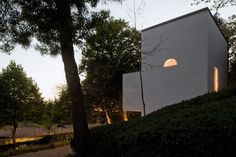 Álvaro Siza . Quinta de Santo Ovídio Chapel . Lousada (5)