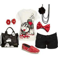 Love this for a trip to Disney. Minus the bag, necklace & earrings Disneyland Outfits, Disney Bound Outfits, Disney Inspired Outfits, Disney Style, Disney Theme, Themed Outfits, Walt Disney, Moda Disney, Mouse Outfit