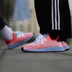 official photos e4bb5 9c7f6 Adidas Deerupt Runner solar red-bluebird