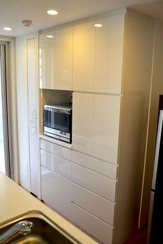 食器棚 サイズ:W1260×500×H2300 家具本体税抜き価格:¥390,000.-  主な仕上げ:メラミン化粧板 K-6005KM 金物:スライドレール・スライド・棚受けダボ・耐震ラッチ