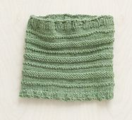 Ravelry: Loom Knit Ridges Cowl #L10151 pattern by Lion Brand Yarn