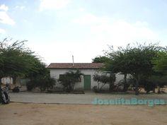 Aqui e uma foto de cidade de Roca, na Bahia, de onde vieram o Ze e a Rosa. Ele levou a cruz daqui ate a igreja.   (Foto tirada por Joselita Borges) http://2.bp.blogspot.com/_Tf1uvvP4fds/TIp4Dk5HCtI/AAAAAAAABMs/F-cFzfsFgCA/s1600/V%C3%A1rzea+da+Ro%C3%A7a+Pov.+Barracas+4.jpg