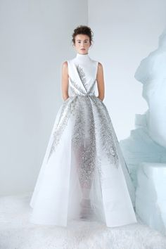 Azzi & Osta announce the release of their Autumn Winter 2018 2019 Couture collection. This season, the designer duo built on their enchantment of the Russian Empire, notably the reign of Czar Nikolai II. This year marks the year anniversary of his tr Chanel Couture, Haute Couture Fashion, Elegant Dresses, Beautiful Dresses, Couture Dresses, Fashion Dresses, Fashion 2018, Bridal Gowns, Wedding Gowns