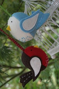 Sweet bird ornaments,,,they have a handmade look that families will treasure for generations.  Note: Don't forget to embroider your initials and the year the ornament was sewn on the back.  You want those generations to know who made them, don't you?