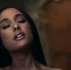 Ariana makeup