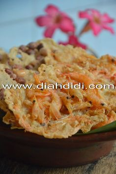 Rempeyek Jadul Filipino Recipes, Asian Recipes, Ethnic Recipes, Prawn Fritters, Diah Didi Kitchen, A Food, Food And Drink, Japanese Cheesecake, Indonesian Food
