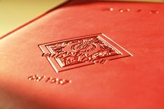 Agenda 2015, logo storico in rilievo sulla copertina e inserti personalizzati all'interno. Omaggio a tutti i soci e Clienti della Cantina Valdadige.