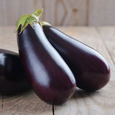 Low Carb Recipes With Eggplant - Eggplant is a plant of the nightshade family, which is often served in a variety of dishes around. Fish Recipes, Low Carb Recipes, Cooking Recipes, Healthy Recipes, Healthy Food, Fruits And Veggies, Vegetables, Eggplant Recipes, Best Fruits