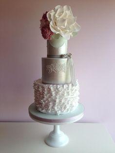Ruffle and Lustre - Cake by Suzi Saunders