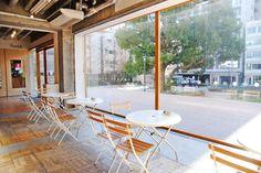 「Food Lab(フード ラボ)」は、秋葉原の旧練成中学校をリノベーションしたアートセンター「3331 Arts Chiyoda(アーツ チヨダ)」内にあるカフェ。館内のアートを楽しんだ後に、ぜひ立ち寄ってみたいスポットです。 Food Lab(フードラボ)住所 東京都千代田区外神田6-11-14 3331ArtsCYD105 TEL03-5818-4040時間11:30~17:00(17:30~22:30は居酒屋らぼとして営業)定休日月曜(居酒屋らぼは月・土・日曜、祝日休)URL http://www.3331.jp/