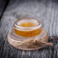 Lip Scrub selber machen: Rezept für DIY Lippenpeeling mit Kokosöl - Hochwertiges Bio-Kokosöl eignet sich optimal zur Lippenpflege ...
