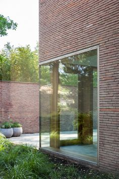 5 Reasons To Choose Face Brick Boundary Walls Brick Architecture, Interior Architecture, Interior And Exterior, Boundary Walls, Brick Facade, Brick Building, Modern City, Brickwork, Architectural Elements