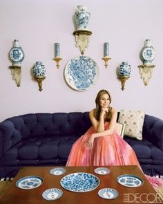 Aerin Lauder Hampton Living Room.  I love the more modern purple sofa with classic blue & white delft. (from Elle Decor 2009/site wouldn't pin)