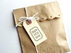 "Kraft Paper Bags - Medium - 5"" x 7-1/2 "" - 100 - Free Shipping. $15.80, via Etsy."