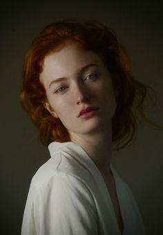 Foto – News – - Fotografie Pose Portrait, Female Portrait, Bild Girls, Fotografie Portraits, Kreative Portraits, Photographie Portrait Inspiration, Face Photography, Photo Makeup, Interesting Faces