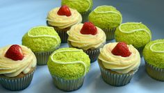 Lola's cupcakes for Wimbledon via http://newsmix.me
