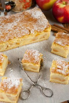 Szarlotka Eweliny z budyniem Polish Desserts, Polish Recipes, Cookie Desserts, No Bake Desserts, Delicious Desserts, Yummy Food, Apple Recipes, Sweet Recipes, Baking Recipes