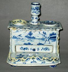 """1963.0124 A- E Delft inkstand, marked GVS for Geertruy Verstelle, factory """"het Oude Moriaanshooft"""" circa 1765"""