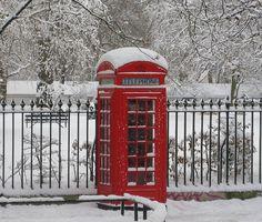 Cabine téléphonique sous la neige, Londres