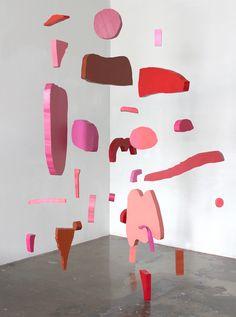 Accidental Shapes & Patterns – Mobiles and Paintings by Jenni Rope – OEN Mobile Sculpture, Sculpture Art, Mobiles Art, Baby Mobiles, Henri Matisse, Instalation Art, Art Abstrait, Art Plastique, Art Direction