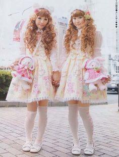 Lolita Identical Twinning with Baby, the Stars Shine Bright Kumya chan print