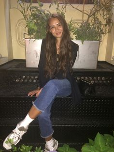Emily Oberg Hot Outfits, Fashion Outfits, Jeans Fashion, Casual Outfits, Spring Summer Fashion, Autumn Winter Fashion, Emily Oberg, Socks Outfit, Kylie Jenner Look