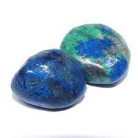 Azurite is known for treating arthritis and bone degeneration. Helpful with joint pain, alignment of the spine and works on a cellular level to restore circulation.