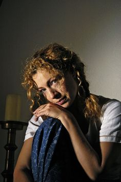 Alex Kingston (Cambridge Jones) 2005